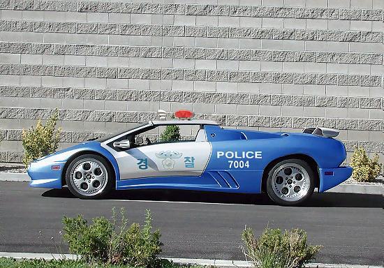 احلى سيارات الشرطة Lamborghini_Police_Car